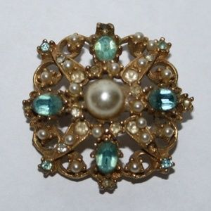 Beautiful vintage gold pearl and blue brooch